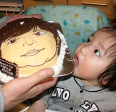 似顔絵の顔型立体ケーキ