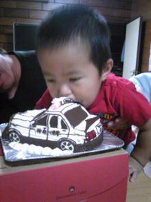 パトカーの立体ケーキ