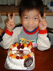 ムシキングのイラストケーキ