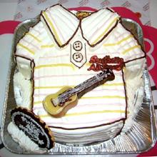サザン、シャツとギターの立体ケーキ