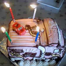 カーズのトレーラー立体ケーキ