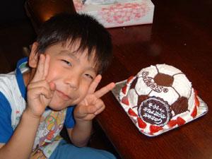 サッカーボールの立体ケーキ