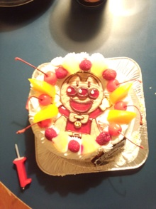 アンパンマンのケーキ、誕生日・バースデーケーキに大盛り上がりのキャラクター・似顔絵ケーキのキャラケーキ.com