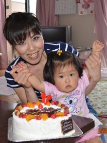 アンパンマンのキャラクターケーキを一歳のお誕生日にプレゼント!バースデーは大盛り上がり!