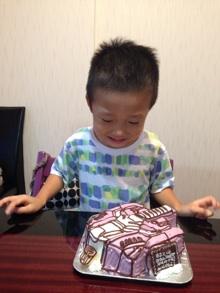 トランスフォーマーの顔型立体ケーキ