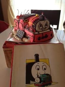 きかんしゃトーマスの立体ケーキ