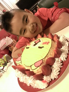 コリラックマの顔型立体ケーキ