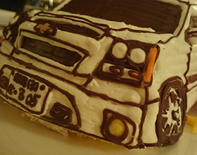 シボレーのアバランチ、車の立体ケーキ