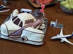 ANAの飛行機の立体ケーキ