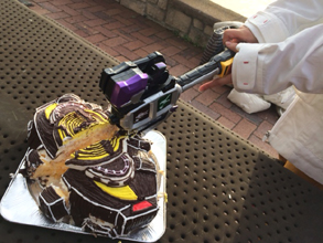仮面ライダードライブのバンノドライバーの立体ケーキ