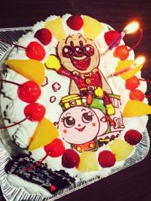 アンパンマンとポッポちゃんのキャラクターケーキ