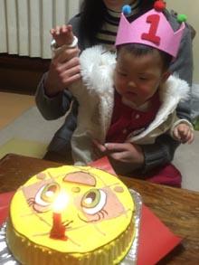 アンパンマン、メロンパンナちゃんの顔型立体ケーキ