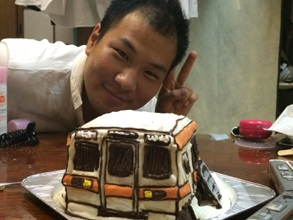 電車のケーキの立体ケーキ