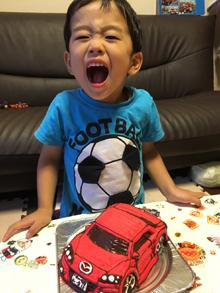 マツダ車の立体ケーキ、お子様のお誕生日