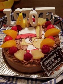 チョコレートクリームのキャラクターケーキ