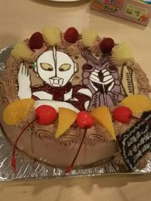 ウルトラマンとバルタン星人のキャラクターケーキ