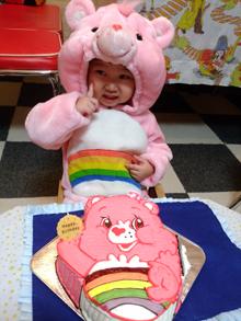 キャラクターの顔型立体ケーキで楽しむ