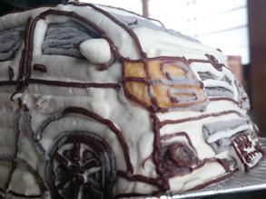 トヨタ・ハイエース、車の立体ケーキ