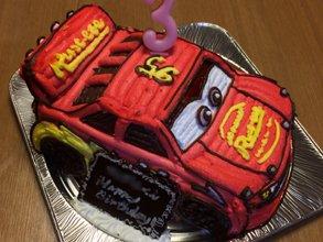 カーズ、マックイーンの立体ケーキ