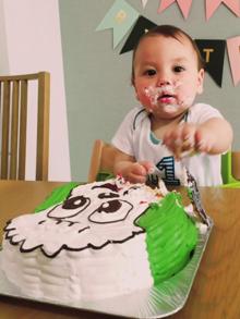 1歳誕生日、ワンワンの顔型立体ケーキ