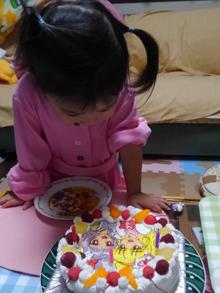 プリキュア、豆乳クリームのキャラクターケーキ
