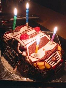 パトカーの立体ケーキ(前)
