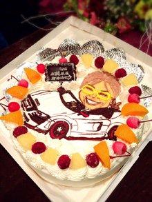 オープンカーに乗った運転手のイラスト、似顔絵ケーキ