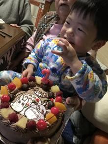 誕生日、中トトロ、小トトロ、大トトロのキャラクターケーキ