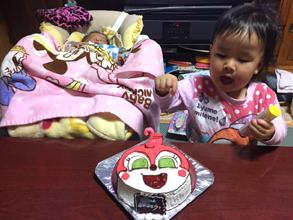 ドキンちゃんの顔型立体ケーキ
