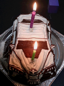 愛車、スープラの立体ケーキ