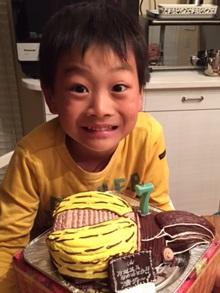 ヘラクレスオオカブト、カブトムシの立体ケーキ