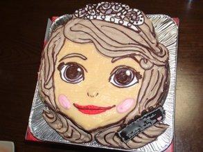 誕生日、ソフィアの顔型立体、キャラクターケーキ