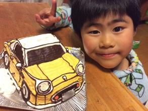 誕生日、フィガロの車立体ケーキ