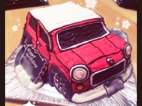 誕生日、愛車赤ミニの立体ケーキ