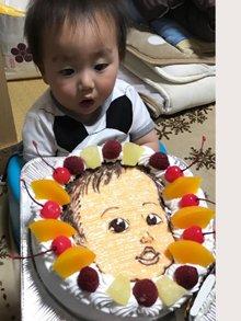 1歳誕生日の似顔絵ケーキ