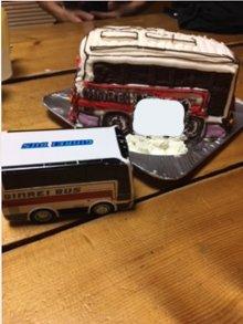 バスの立体ケーキ