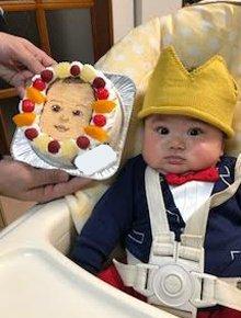 似顔絵の豆乳ケーキ、100日祝い