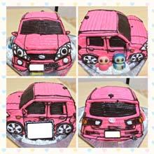 マスコット付きの車の立体ケーキ