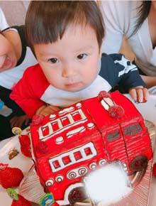 消防車立体ケ−キ、お子様のお誕生日