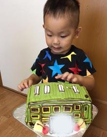 電車の立体ケーキ、お子様のお誕生日