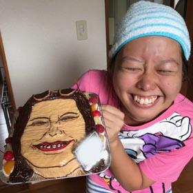 顔型立体ケーキ、似顔絵