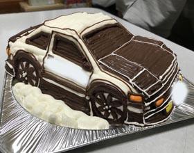 車の立体ケーキ、お子様のお誕生日