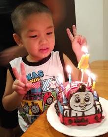 トーマスの立体ケーキ、お子様のお誕生日