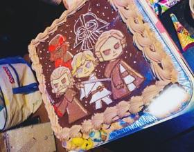 スターウォーズのマスコット付きキャラケーキ