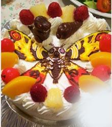ゴジラのマスコット付きキャラケーキ、パパのお誕生日