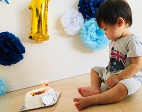 アンパンマンのキャラケーキ、1歳のお子様のお誕生日