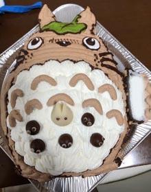 トトロの立体・マスコット付きケーキ