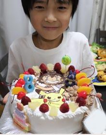 ポケモンのマスコット付きキャラケーキ、お子様のお誕生日