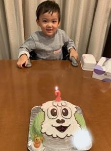 ワンワンの顔型立体ケーキマスコット付き、お子様のお誕生日