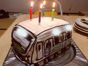 スマイルトレインの立体ケーキ、お子様の誕生日